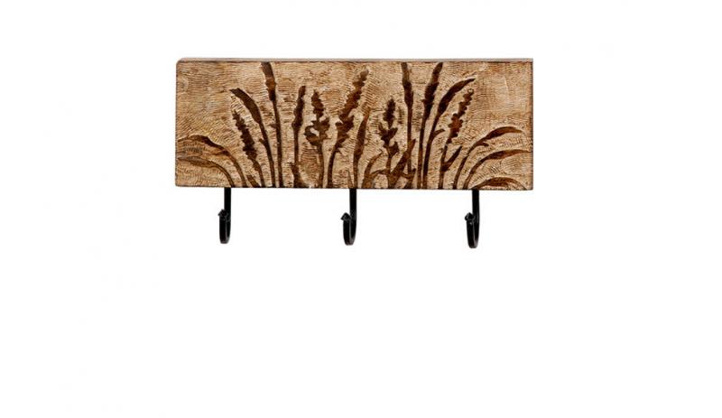 Дървена закачалка