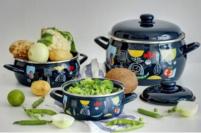 Защо да изберем емайлирани съдове  Metalac за готвене в нашия дом?
