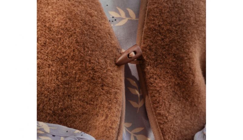 Кафяв Вълнен Елек Camel Bronz от Естествена Камилска Вълна и Мерино