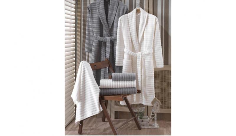 Семеен комплект с хавлии и халати за баня от 100% памук, 450 гр./м2