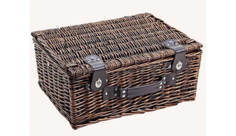 Кутия за пикник с 26 части за 4 души