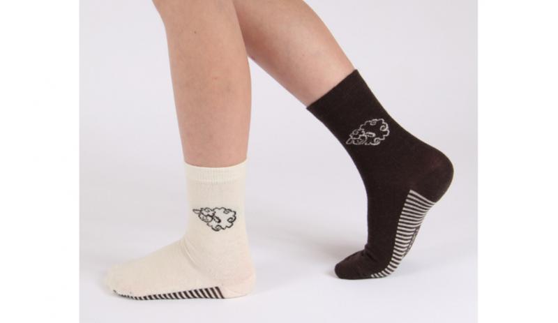 Вълнени чорапи Екрю