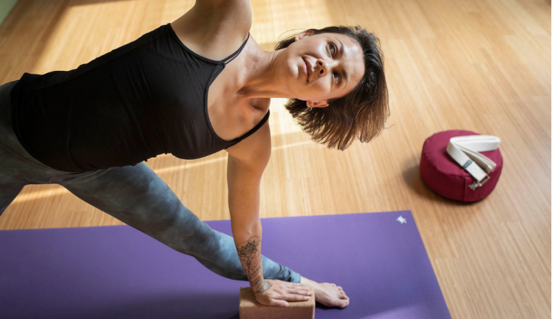 Постелка за йога и гимнастика Purple